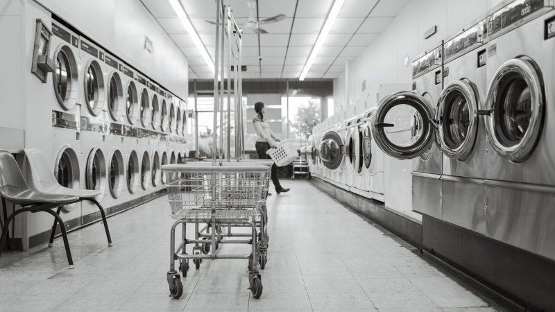 Czym jest i jak działa pralniomat?