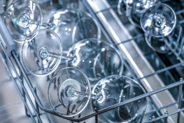 Jak przedłużyć żywotność pralce i zmywarce