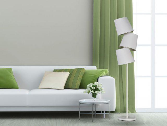 lampa z trzema tekstylnymi abażurami