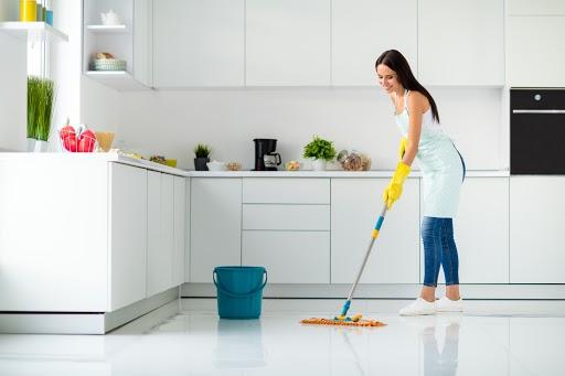 Mop – niezastąpione akcesorium, które pomoże utrzymać porządek w każdym domu