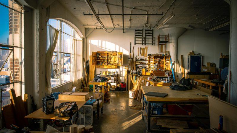 Jak zaplanować i zaaranżować przestrzeń roboczą w warsztacie